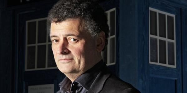 Steven Moffat - człowiek, który ma w Anglii więcej władzy niż premier.